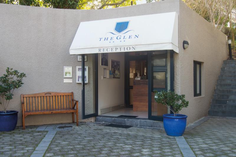 the-glen-apartments-services-service-centre